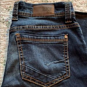 Cute pair of Peyton BKE jeans. Size 29x31-1/2.